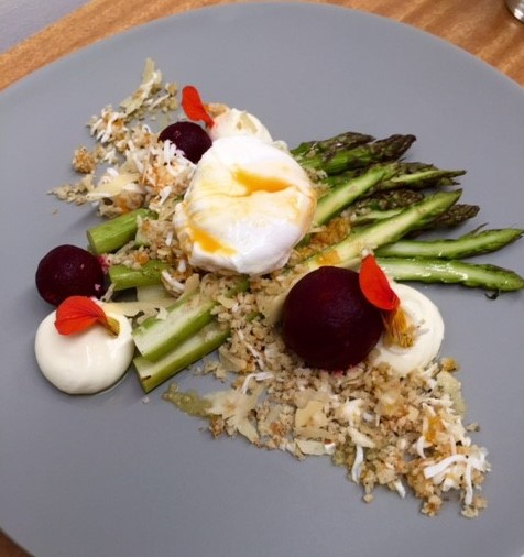 Entree Asparagus and egg